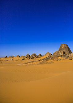Pyramids And Tombs In Royal Cemetery, Meroe, Sudan | por Eric Lafforgue