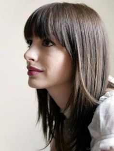 anne-hathaway-blunt-hairstyle-with-straight-across-bangs-layered. she bangs she bangs! anne-hathaway-blunt-hairstyle-with-straight-across-bangs-layered. she bangs she bangs! Medium Straight Haircut, Straight Across Bangs, Straight Hairstyles, Haircut Medium, Straight Long Hair, Medium Haircuts, Short Wavy, Straight Cut, Short Haircuts