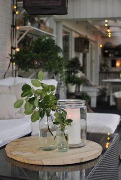 Annas: Time to light up Backyard Patio, Light Up, Planting, Table Decorations, Interior, Beautiful, Balcony, Home Decor, Decor Ideas