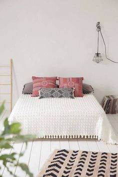 Furniture - bedrooms : boho bedroom - decor object your dail Dream Bedroom, Home Bedroom, Bedroom Decor, Bedroom Furniture, Bedroom Ideas, Bedroom Inspiration, Casual Bedroom, Master Bedroom, Bedroom Simple