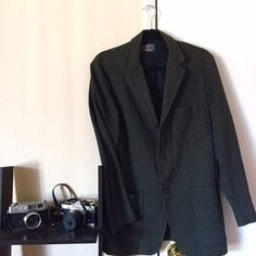 Vintage Pendleton Blazer Classic vintage Pendleton wool blazer in excellent condition. Has large functional pockets and intricate buttons. Sleeves can also be cuffed/rolled for a polished work look. Pair with black cuffed jeans and Chelsea boots for a trendy vintage Fall outfit! ⭐️no size tag, would work best for a Medium as its meant to be a bit oversized. Measurements happily provided, just ask! ⭐️ Pendleton Jackets & Coats Blazers