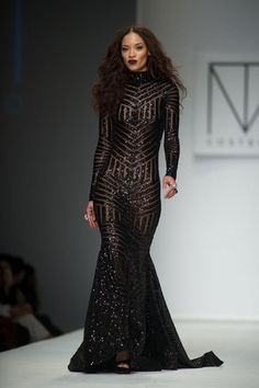michael-costello-black-widow-gown-profile.jpg (300×450)