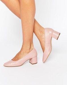 Zapatos de tacón medio en cuero nude Cassidy de Faith