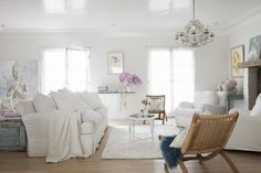 Decorist is thrilled to welcome Shabby Chic founder and Celebrity Designer Rachel Ashwell to the Decorist team!