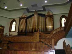 The only picture I could find of the Provo Tabernacle Organ before it was destroyed. http://www.provotabernacle.org/organ.html