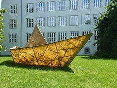 """Das Documenta 6 Traumschiff """"Tante Olga"""" von Anatol vor der Heinrich-Schütz-Schule in Kassel. https://plus.google.com/u/0/communities/106080006541807310231"""