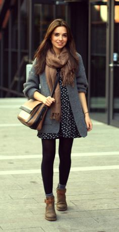 Black tights, gray cuffs and brown boots – Best Fall Season Outfits & Dresses Fashion Mode, Look Fashion, Hijab Fashion, Fashion Outfits, Fashion 2020, Fall Winter Outfits, Autumn Winter Fashion, Autumn Style, Dress Outfits