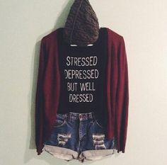 But well dressed. (Bueno, cuando amerita).