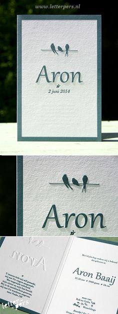 letterpers_letterpress_geboortekaartje_aron_blauw_klassiek_vogels_preeg_gevouwen