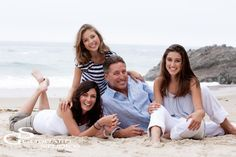 Laguna Beach Family Portraits: The Steel Family at Thousand Steps Beach Family Beach Poses, Family Beach Portraits, Family Picture Poses, Family Beach Pictures, Family Photo Sessions, Family Posing, Beach Photos, Family Pics, Family Family