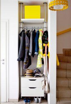 Få en lille entre eller et vanskeligt område til at fungere med smart, åben opbevaring