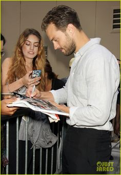 Jamie Dornan Signs Autographs for Fans in NYC | jamie dornan promotes movie in nyc 08 - Photo