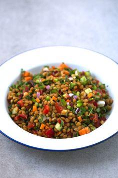 Lentil Salad Vegan and Vegetarian Recipes! Lentil Recipes, Salad Recipes, Diet Recipes, Vegetarian Recipes, Cooking Recipes, Healthy Recipes, A Food, Food And Drink, Lentil Salad