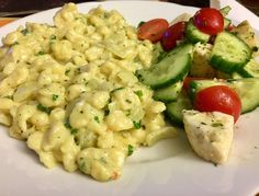 Cremige Käsespätzle Creamy cheese spätzle, a very delicious recipe from the student kitchen category. I Love Food, Good Food, Yummy Food, Pasta Recipes, Cooking Recipes, Healthy Recipes, Cheese Spaetzle, Creamy Cheese, Veggie Dishes