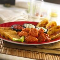Friday´s® Three For-All (Boneless). Friday´s® Three For Niagara Falls Restaurants, Merida, Great Recipes, Dinner Recipes, Tgi Fridays, Burger Bar, How To Grill Steak, Delish, Restaurant Bar