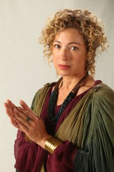 Alex Kingston as a possible the Maestra in #Incarceron