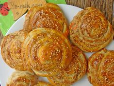 Tahinli Rulo Çörek Turkish Recipes, Sausage, Bread, Food, Diy, Bread Baking, Bricolage, Sausages, Brot