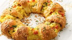 Bacon, Egg and Cheese Brunch Ring How-To