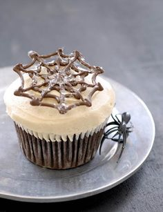 Halloween Chocolate Cupcakes with Caramel Frosting