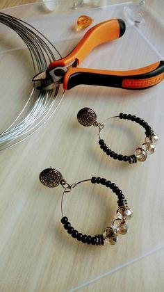 Seed Bead Jewelry, Wire Jewelry, Jewelry Crafts, Beaded Jewelry, Jewellery, Beaded Earrings, Earrings Handmade, Pearl Earrings, Hoop Earrings