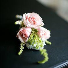 fabulous vancouver wedding Groom's boutonnière using tiny cute spray roses. Floral @amarawedding #brideandgroom #boutonniere #amaraflowerdecor by @amarawedding  #vancouverwedding #vancouverwedding