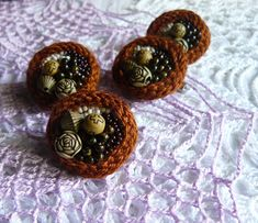 Beaded embroidery brooch Kawaii pin brooch Brown flower brooch Bohemian botanical jewelry brooch Birthday gift for her Womens beaded brooch #beadedbrooch #beadedjewelry #beadwork #terrazzo #flowersbrooch #crochetbrooch # Avantgardejewelry #Avantgardebrooch #Beadedart