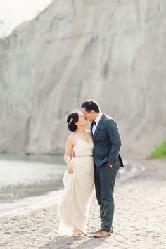 Dreamy engagement session in Toronto.   Photography: ARTIESE - www.artiesestudios.com  Read More: http://www.stylemepretty.com/canada-weddings/2014/07/28/romantic-engagement-session-at-scarborough-bluffs/