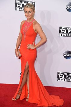 Julianne Hough in Zuhair Murad at the AMAs