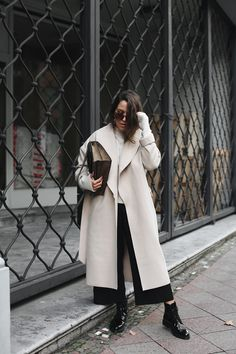 THE CAMEL COAT | Fiona from thedashingrider.com wears a Vila Stone Grey Camel Coat, Black Patent Leather Ikks Combat Boots, Edited The Label Knit and Gucci Dionysus Supreme Bag | Petite Blogger | Style Blogger | Outfit | Shop the full look here: http://liketk.it/2pvLV