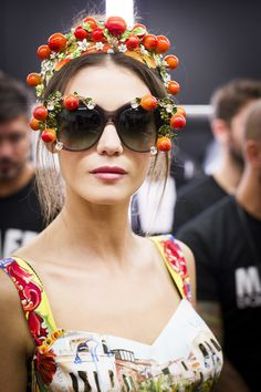 See beauty photos for Dolce & Gabbana Spring 2016 Ready-to-Wear collection.