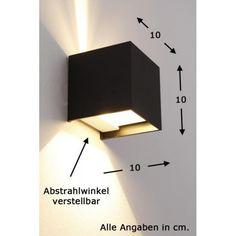 Helestra SIRI 44 Wandleuchte, schwarz Mit dieser kubischen Wandleuchte können Sie nicht nur die Zonen- und Akzentbeleuchtung für Wohn- und Gewerberäume umsetzen, sondern auch Ihre Badezimmer und Fassaden erhellen. Die Kennzeichnung IP54 bescheinigt, dass Schutz gegen Spritzwasser und Staub besteht. Das clevere Design ermöglicht es, dass Sie die Abstrahlwinkel verstellen können, um den gewünschten Lichteffekt zu erzielen. Moderne LED-Technologie sorgt für einen geringen Stromverbrauch und…
