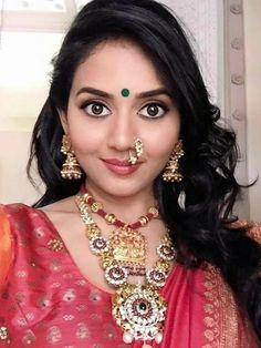 Marathi Nath, Nose Jewels, Glamorous Makeup, Beautiful Indian Actress, Girl Face, Indian Beauty, Indian Actresses, Saree, Glamour