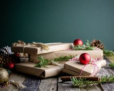 How to wrap presents this Christmas? * Old t-shirt or top * Newspaper * Beeswax Wraps * Kraft Paper * Tote Bag * Jute String instead of ribbon * Dried flowers and fruits as decoration * Compostable tape or water activated tape According to a statistic from 2018: 227,000 miles of wrapping paper is thrown away each year. 1 billion Christmas cards are also put in the bin ~ surely we can do better 🎁 #giftwrap #giftwrapping #gift #gifts #wrappingpaper Easy Diy Christmas Gifts, Holiday Gifts, Christmas Holidays, Christmas Trees, Christmas Cards, Holiday Program, Holiday Gift Guide, Budget Holidays, Matcha Green Tea Powder