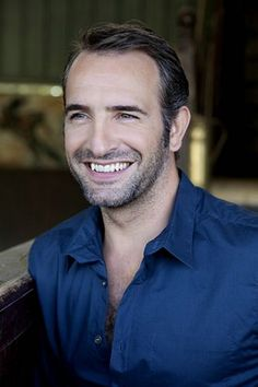 Jean Dujardin wears  (Shirt )