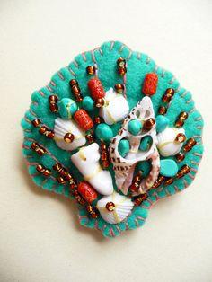 ES726/092  Beside The Seaside Theme -  Sea Shell Handmade Felt Brooch - Turquoise