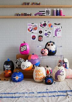 Our absolute best, totally essential pumpkin painting tips Halloween Make, Holidays Halloween, Halloween Pumpkins, Halloween Decorations, Halloween Centerpieces, Halloween Tricks, Homemade Halloween, Halloween Ideas, Christmas Holidays