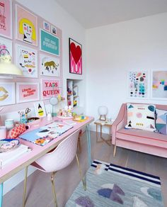 Pastel Wood Pink Work Place With Accessorizes Types Of Study Room To Consider Wh… - Dream House Rooms Office Interior Design, Office Interiors, Parents Room, Kids Room, Study Room Design, Playroom Design, Study Rooms, Home Decor Kitchen, House Rooms
