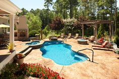 perfect  - pool spa fire pit and pergola!!!!