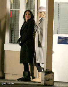 Lana and Kristin as Maleficient - Behind the scenes - 11 December 2014 - 4 * 14