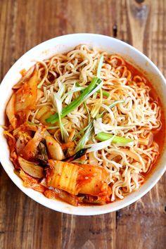 9. Healthy Homemade Kimchi Ramen #healthy #ramen #recipes http://greatist.com/eat/healthier-ramen-recipes