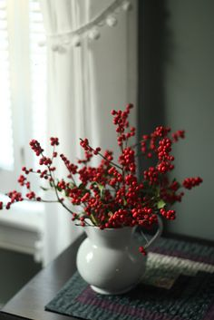 Another favorite -- red berries in a vintage white pitcher Noel Christmas, Simple Christmas, Winter Christmas, Christmas Crafts, Christmas Decorations, Holiday Decor, Christmas Berries, Christmas Flowers, Natural Christmas