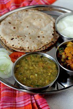 Dal Amritsari or Langarwali dal is popular among Punjabi dal recipes served in the Gurudwaras. Vegetarian dish made with black lentils,chana dal and spices. Punjabi Food, Punjabi Cuisine, Lunch Recipes, Cooking Recipes, Dessert Recipes, Vegetarian Dish, Vegetarian Recipes, Indian Veg Recipes, Vegetarian