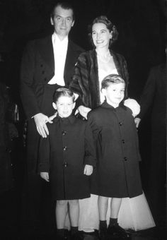 Jimmy Stewart with family in London, 1950