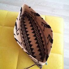 Kuşbakışı%100 handmade%100cotton #crochet#cricheting#crochetbag #wayuu#wayuumochilas #wayuuclutch #wayuubags #wayuubag #wayuutribe #wayuuturkey #örgü#örgümüseviyorum #cotton #clutch#bag#handmade #handcrafted #elişi #elemeği #10marifet #crafty #craftastherapy #cataniayarn