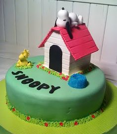 Snoopy Cake. I want this for my birthday!