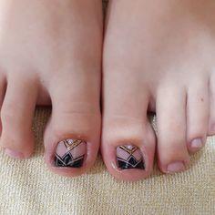Pedicure, Stylish Nails, Toe Nails, Nail Designs, Nail Art, Instagram Posts, Pretty Pedicures, Feet Nails, Acrylic Toe Nails