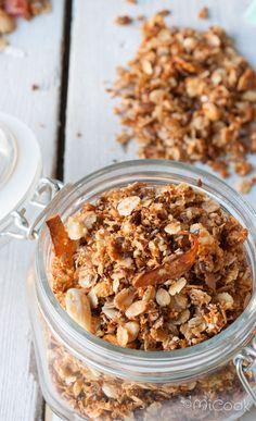 Kokos granola A Food, Good Food, Food And Drink, Yummy Food, Healthy Snacks, Healthy Recipes, Pitta, Granola, Muesli