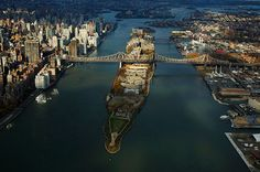 NY, Queensboro Bridge: connect  Manhattan with Roosevelt Island and Queens by Yann Arthus-Bertrand