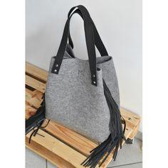 PRODUCTS :: WOMEN :: ACCESSORIES :: Bags and handbags :: Shoulder bags :: TORBA FILCOWA Z FRĘDZLAMI XL