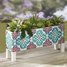 Make a BoHo Succulent Planter for your patio or deck this summer! Find out how Make a BoHo Succulent Succulent Planter Diy, Wood Planter Box, Wood Planters, Succulents Diy, Hanging Planters, Tile Projects, Diy Projects To Try, Azulejos Diy, Ceramic Tile Crafts